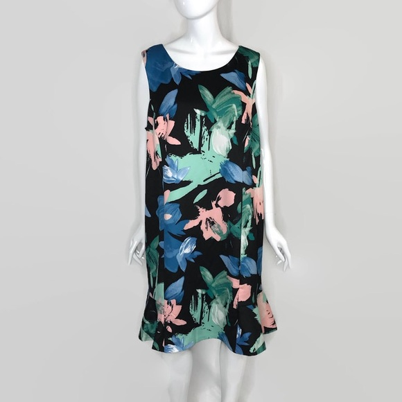 Vince Camuto Dresses & Skirts - Vince Camuto Water Color Print Scuba Dress 22W